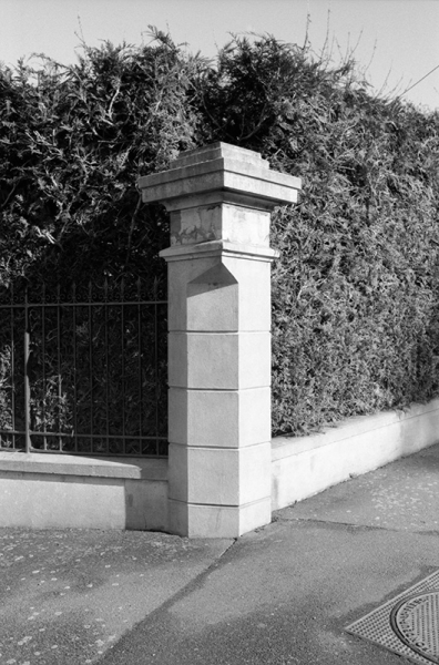 https://www.claraprioux.com:443/files/gimgs/th-320_Chateau-Fanzine-1_01.jpg