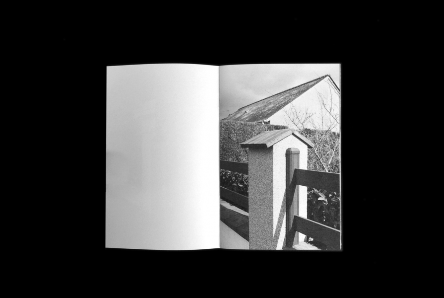 https://www.claraprioux.com:443/files/gimgs/th-320_Chateau-Fanzine-1_06.jpg